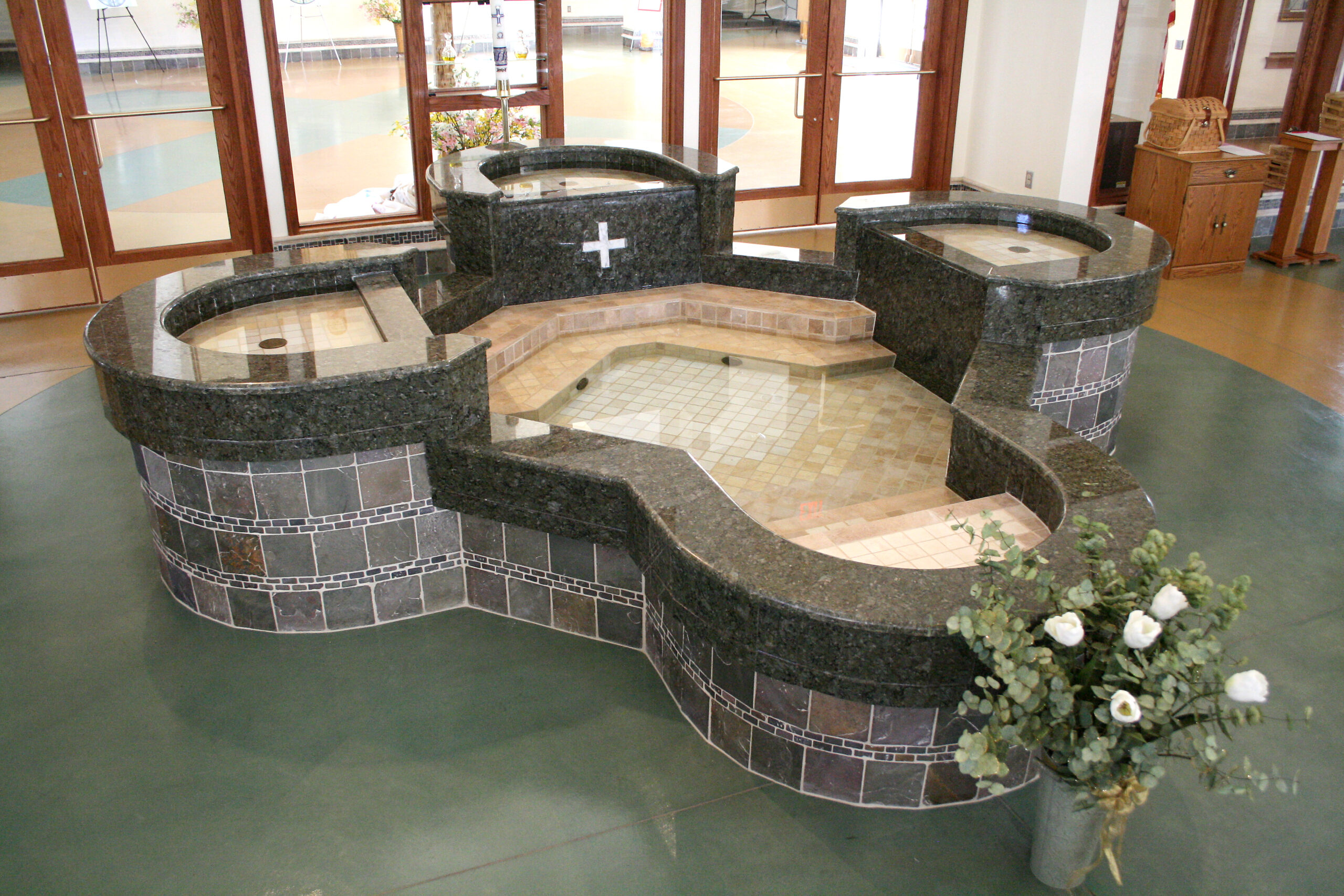 baptismal-font-st-andrews-parish-eagle-river-ak-by-water-structures